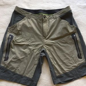 REI Men's shorts - 36